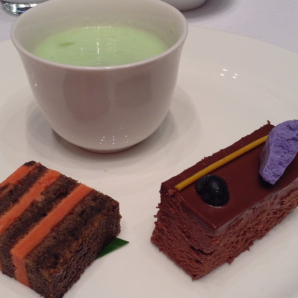 Dessert: layered cake, chocolate mousse cake, and rock melon pudding with sago. Quite sweet for my taste bud.